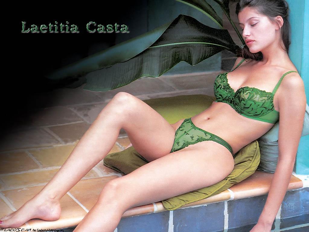 Laetitia Casta dit ne pas s'épiler le maillot